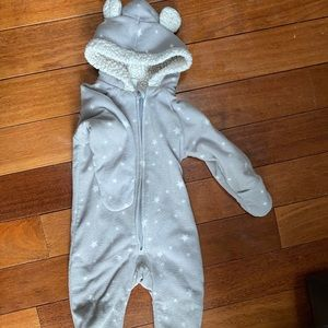 Old Navy fleece grey with stars winter suit 12-18m